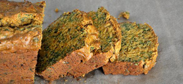 Prendre le temps - cuisiner - Cake salé végane aux fanes de carottes et tofu rosso #vegan