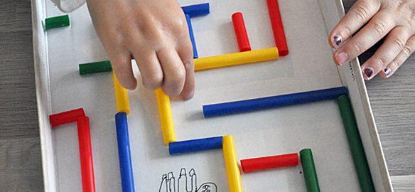 Prendre le temps - Voyageons Ludique - Grèce - DIY - Activités enfants - Pailles - Labyrinthe - Dédale et Icare